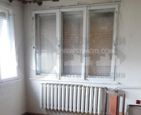 Етаж от къща с 3 спални в Коматево– Пловдив