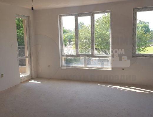 Тристаен апартамент с Акт 16 в Кючук Париж