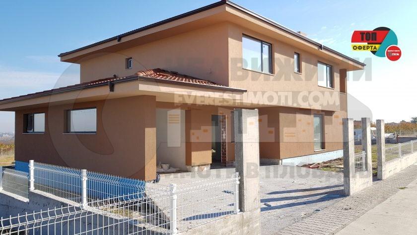 Самостоятелна нова двуетажна къща с голям двор – Белащица