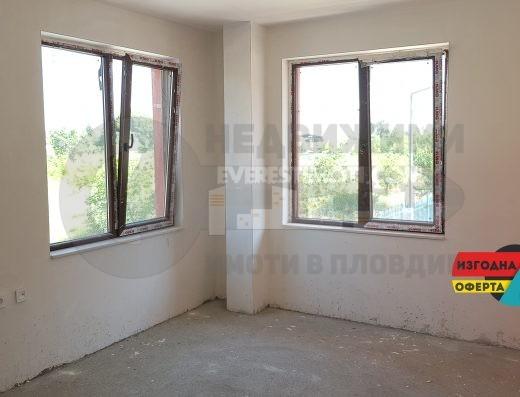 Двустаен апартамент във Въстанически /Гараж/-Пловдив.
