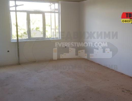 Тристаен апартамент в нова сграда в кв.Кършияка/Гараж/- Пловдив