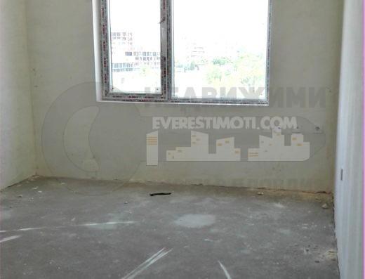 Нов просторен Двустаен апартамент в кв.Тракия- Пловдив