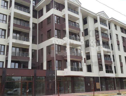 Двустаен апартамент с Паркомясто в лукс сграда в кв.Тракия-Пловдив