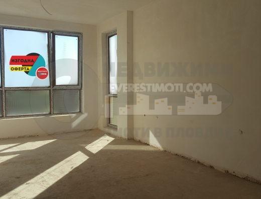 Тристаен апартамент в нова модерна сграда - Широк център - Пловдив