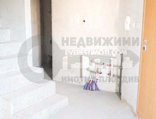 ТОП ЛОКАЦИЯ! Тристаен мезонет в малка сграда с Акт 16 - Новотела - Пловдив