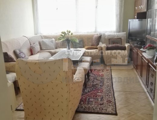 Двустаен тухлен апартамент до магазин Молдавия, кв.Кючук Париж-гр.Пловдив
