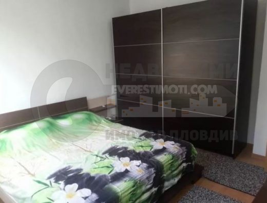 Тристаен обзаведен апартамент в началото на кв. Смирненски - Пловдив