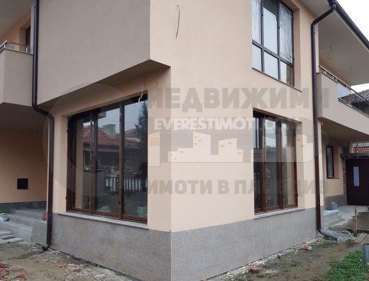 Двуфамилна къща на тихо и спокойно място в кв. Коматево - Пловдив