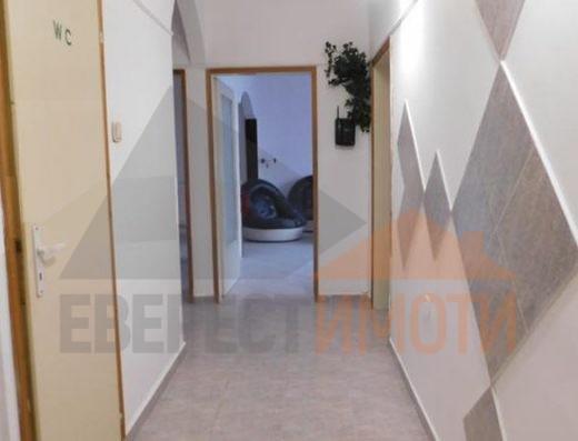 Тристаен светъл апартамент на среден етаж в началото на ж.к. Тракия - х-л СПС - Пловдив