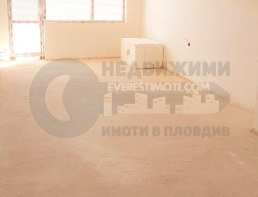 Двустаен източен апартамент в нова сграда до парк Лаута в кв. Тракия