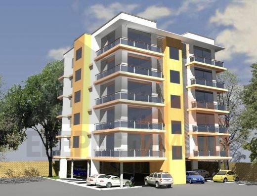 Тристаен просторен апартамент в подножието на Стария град в Пловдив