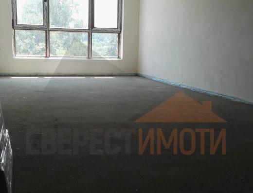 Тристаен Южен апартамент с просторен хол в нова сграда - Поликлиниката, Тракия - Пловдив