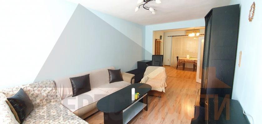 Голям обзаведен тристаен апартамент в началото на кв. Кючук Париж - м-н Молдавия - Пловдив