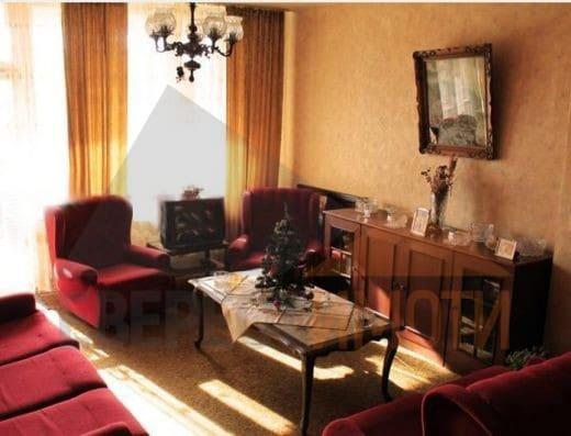 Тристаен апартамент в подножието на Стария град, гр. Пловдив