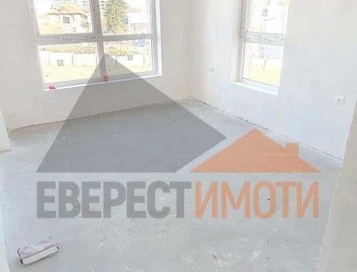 Eдностаен имот с веранда в нова малка сграда в кв. Остромила - Пловдив