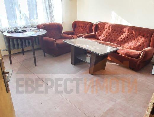 Тристаен югоизточен апартамент в малка тухлена сграда в кв. Мараша до ВХВП - Пловдив