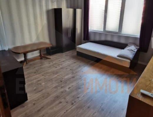 Тристаен обзаведен апартамент в Център, гр Пловдив